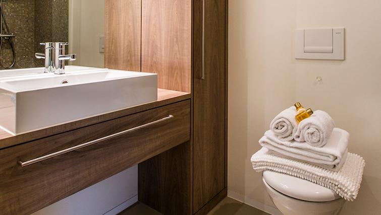 Bathroom at the Neptun Suites Apartment - Citybase Apartments
