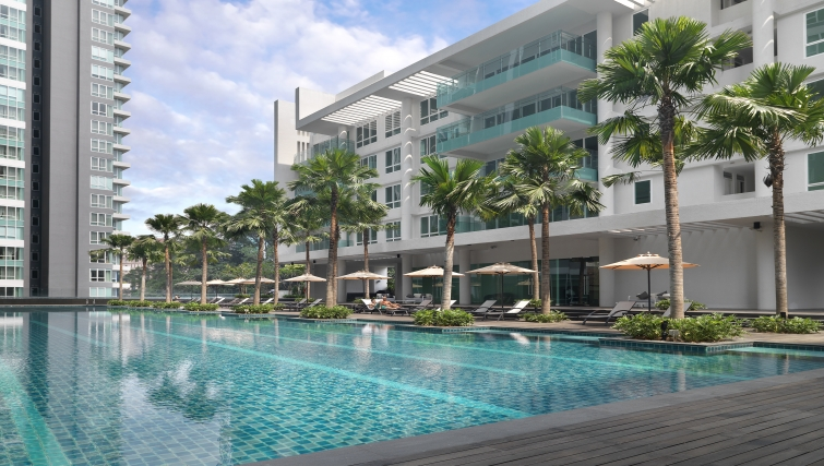 Luxurious pool in Lanson Place Bukit Ceylon Serviced Residences - Citybase Apartments