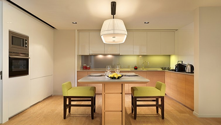 Modern kitchen in Lanson Place Bukit Ceylon Serviced Residences - Citybase Apartments