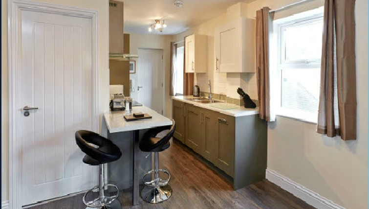 Compact kitchen in Swan Place Apartments - Citybase Apartments