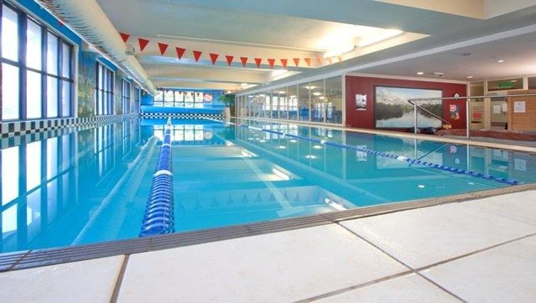 Sensational pool in Quest Atrium - Citybase Apartments