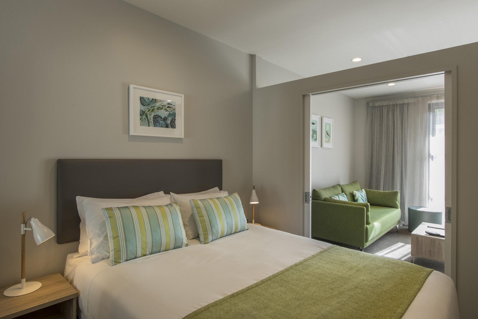 Practical bedroom in Quest Atrium - Citybase Apartments