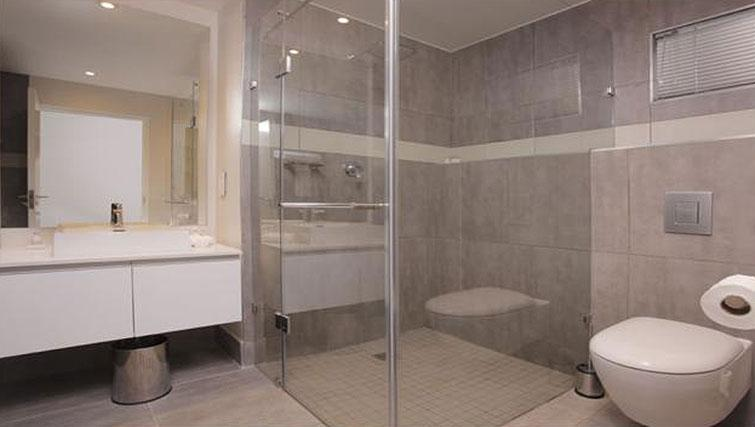 Bathroom at The Capital Empire - Citybase Apartments