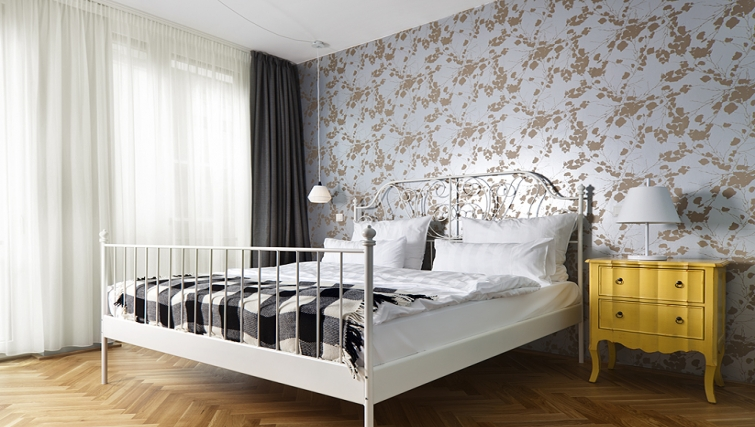 Cosy bedroom in The Circus Apartments - Citybase Apartments