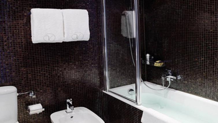 Bathroom at Caroline Apartments - Citybase Apartments