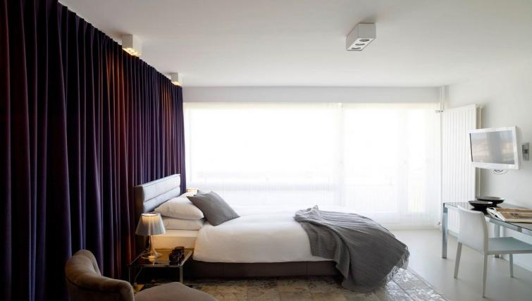 Ideal bedroom at Caroline Apartments - Citybase Apartments