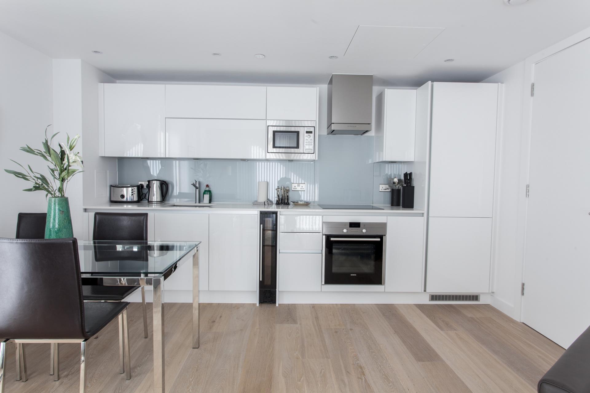 Kitchen diner at Avante-Garde Apartments - Citybase Apartments