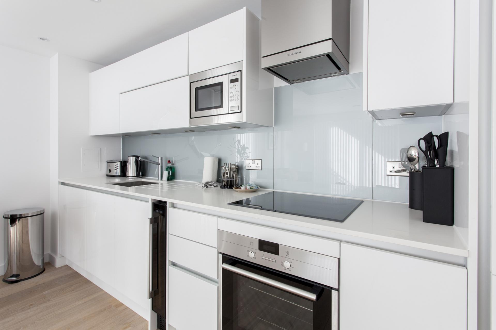 Kitchen at Avante-Garde Apartments - Citybase Apartments