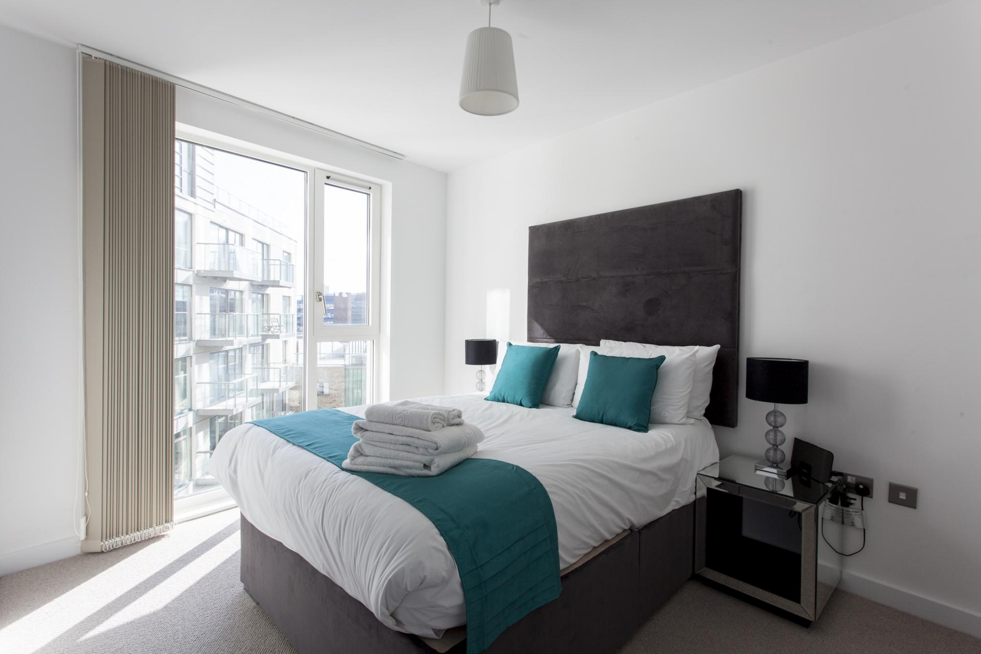 Bedroom at Avante-Garde Apartments - Citybase Apartments