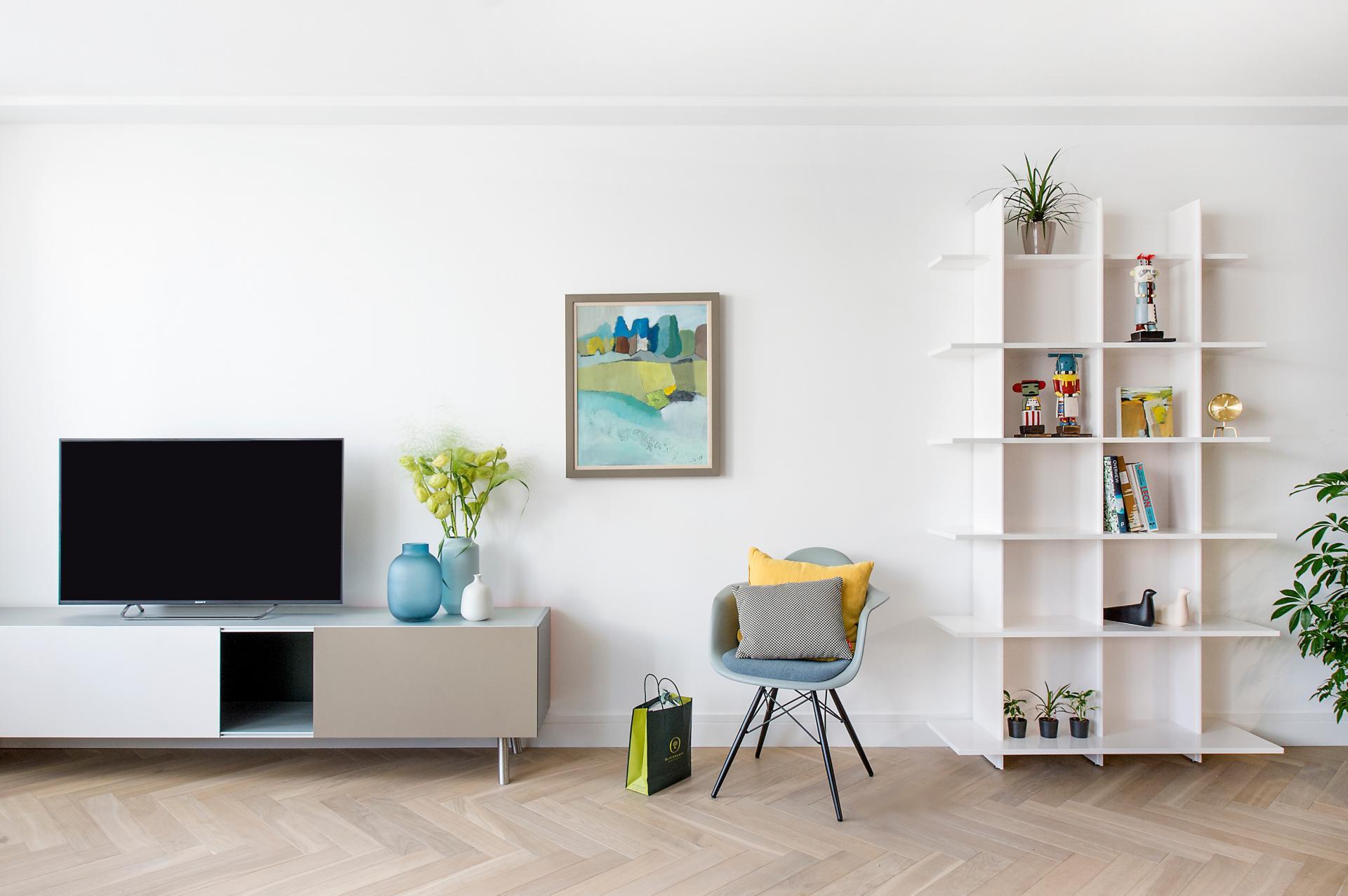 TV at The Hamlet, Bourg-de-Four, Geneva - Citybase Apartments