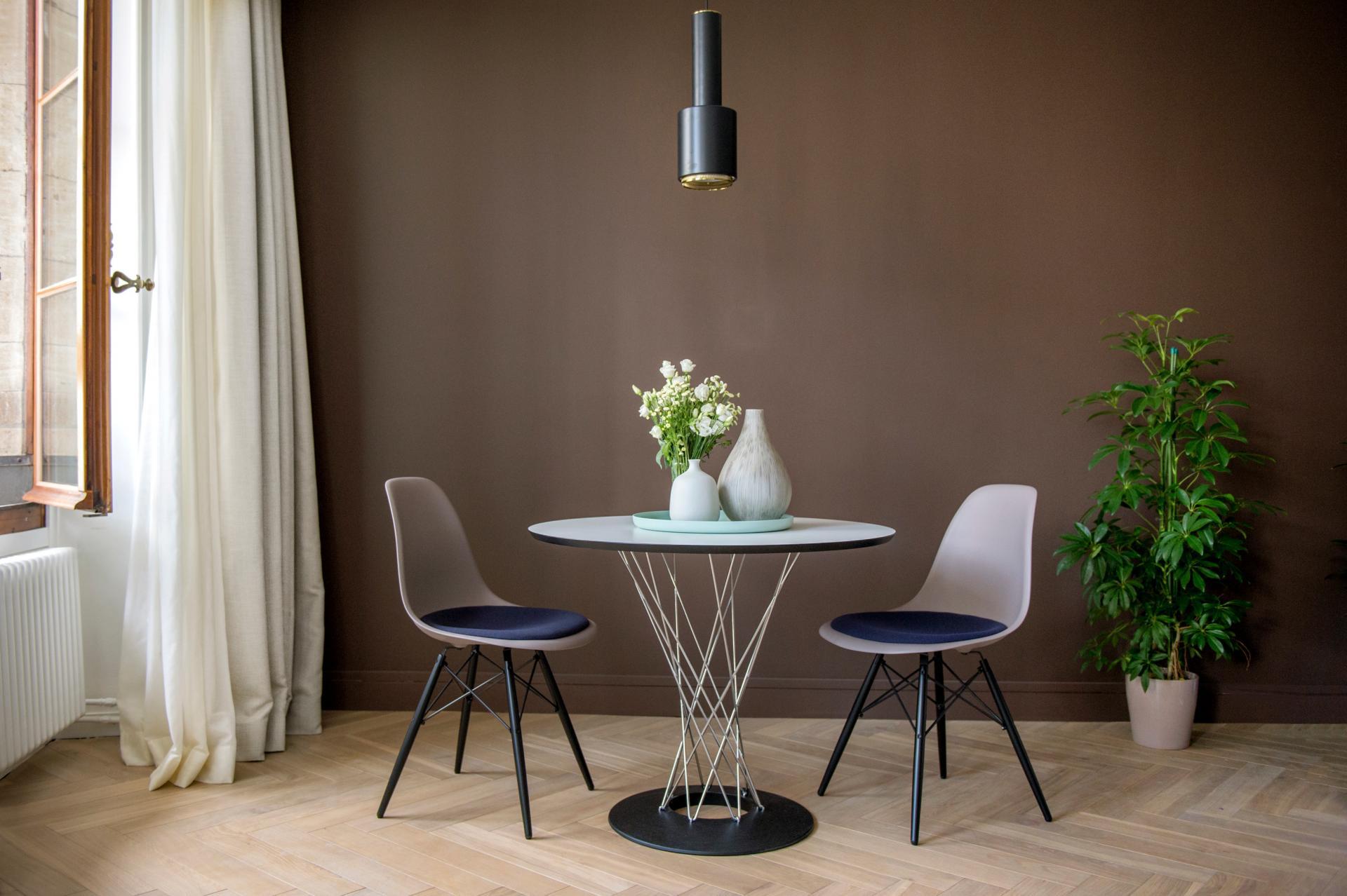 Dining area at The Hamlet, Bourg-de-Four, Geneva - Citybase Apartments