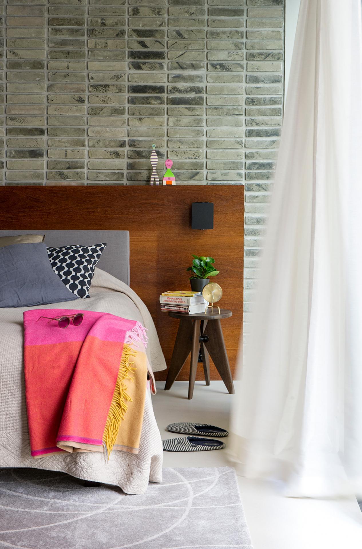 Bedside table at The Hamlet, Bourg-de-Four, Geneva - Citybase Apartments