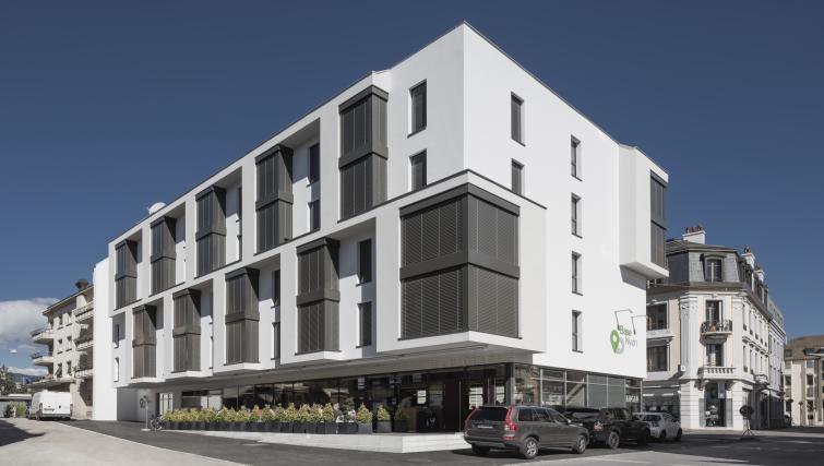 Exterior of Base Nyon Apartments - Citybase Apartments