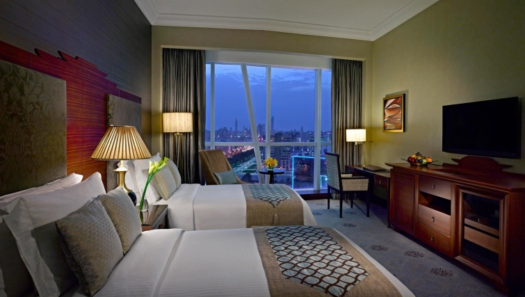 Spacious bedroom at Dusit Thani Abu Dhabi Apartments - Citybase Apartments
