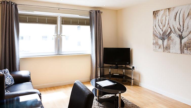 Living area at Swindon Paramount Apartments - Citybase Apartments