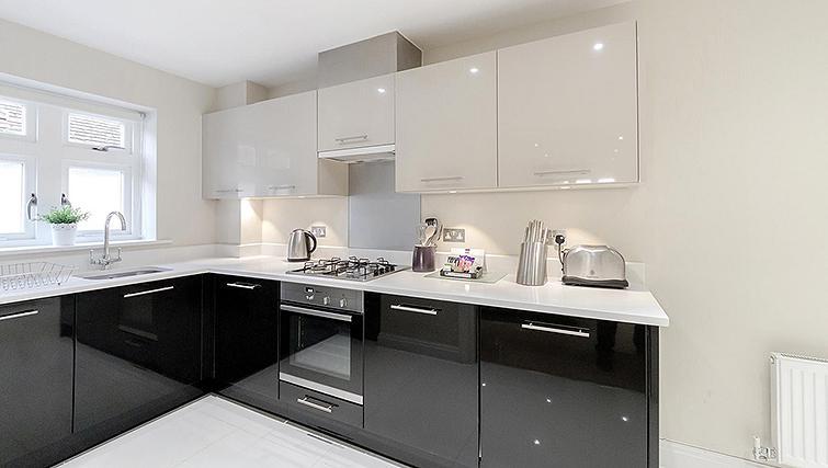 Kitchen in Kinnaird Court Apartments - Citybase Apartments