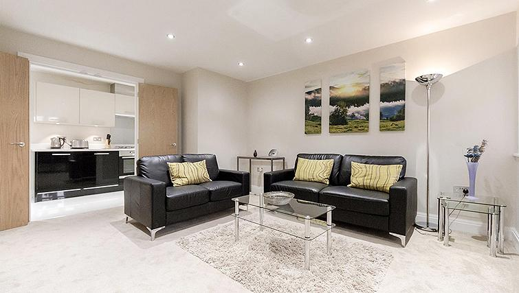Bright spacious living area in Kinnaird Court Apartments - Citybase Apartments