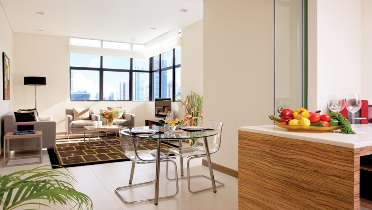 Dining area in the 8 on Claymore Apartments, Singapore - Citybase Apartments