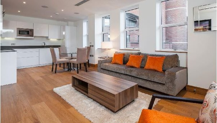 Living area at Oakwood Ludgate Broadway - Citybase Apartments