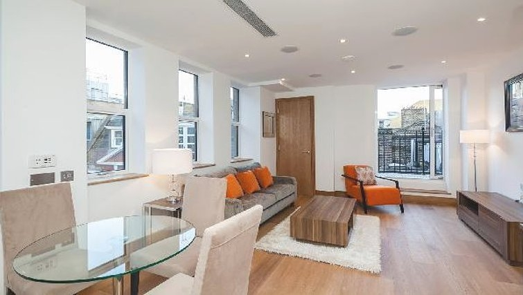 Open plan living area at Oakwood Ludgate Broadway - Citybase Apartments