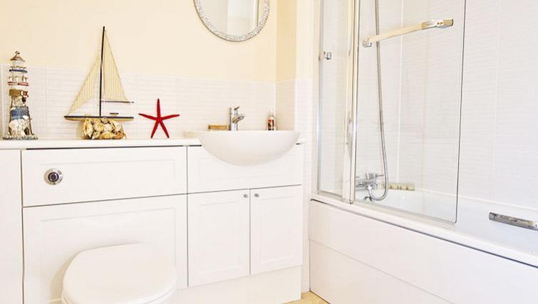 Bathroom at Hilton Campus Apartments - Citybase Apartments