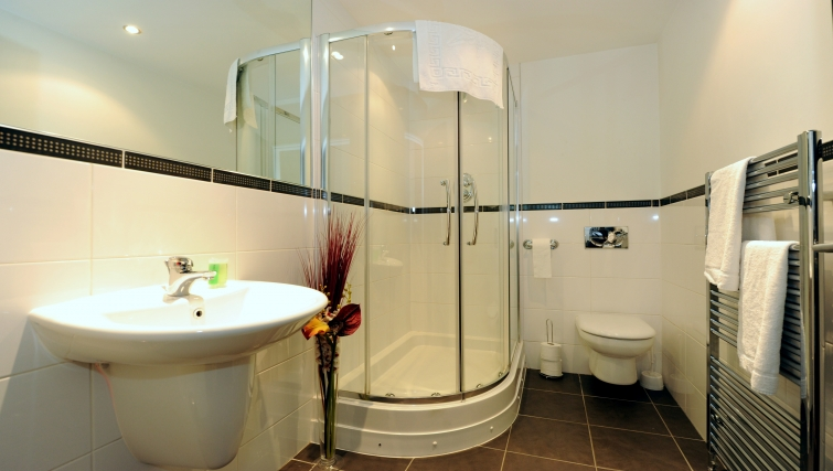 Shower room at City Centre Apartments - Citybase Apartments