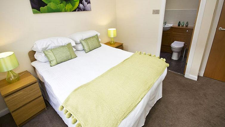 Bedroom at Beach Apartments - Citybase Apartments