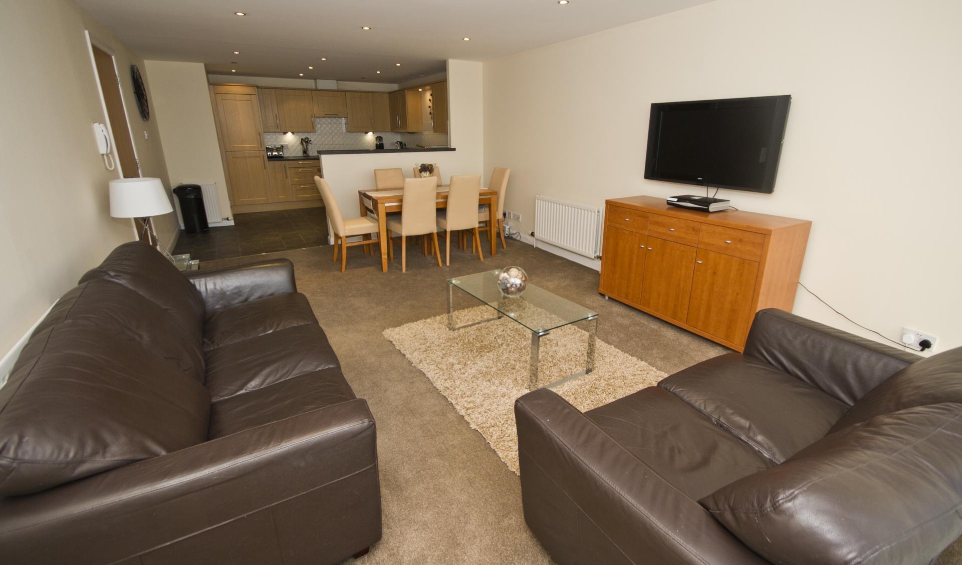 TV at Beach Apartments - Citybase Apartments