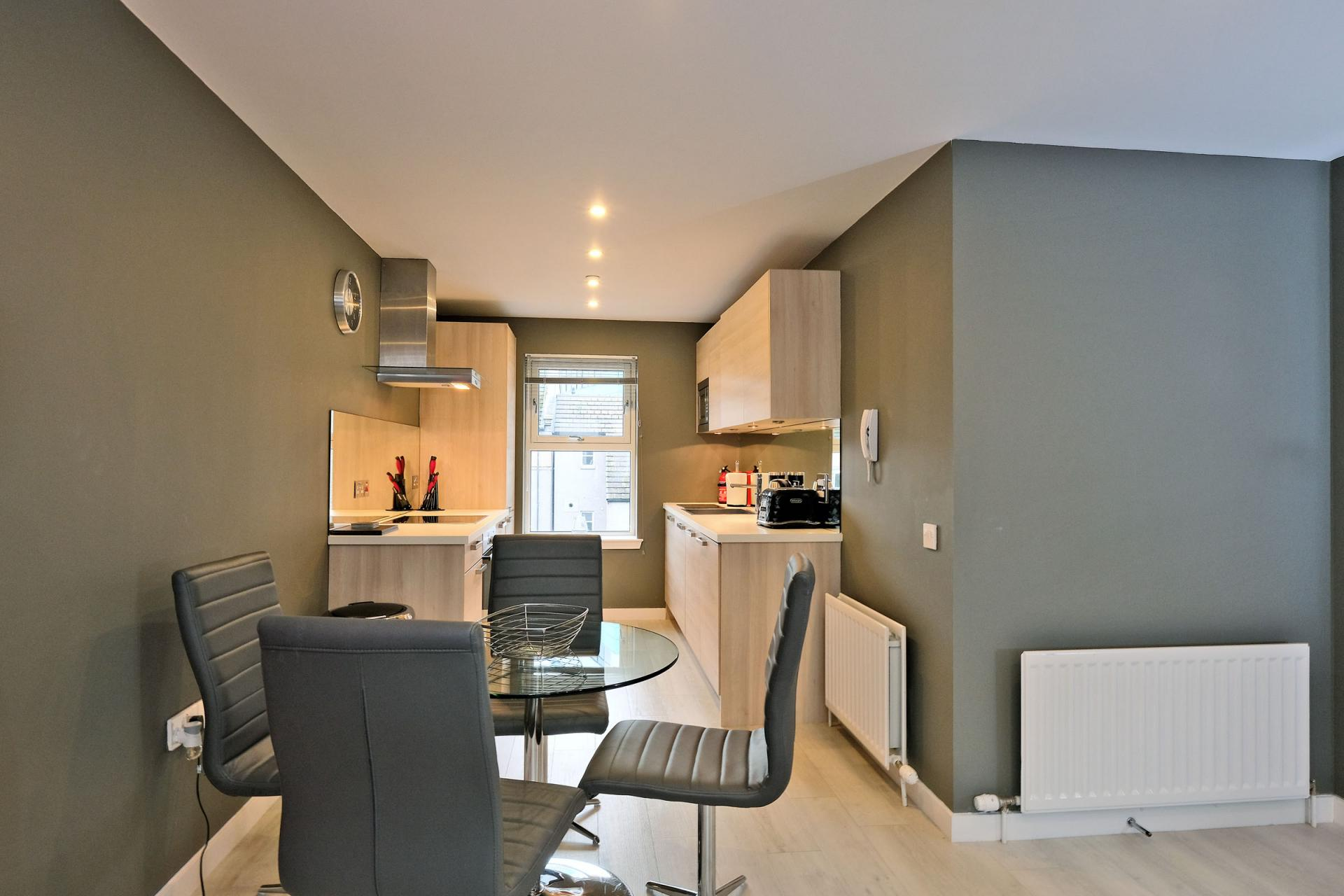 Dining at 54 Chapel Street Apartments, Centre, Aberdeen - Citybase Apartments