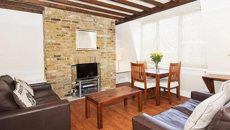 Living area at Maybury Court Apartment - Citybase Apartments