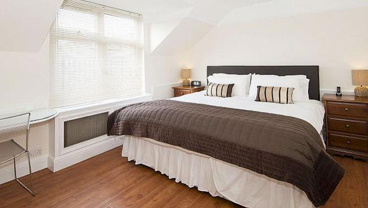 Bedroom at Maybury Court Apartment - Citybase Apartments