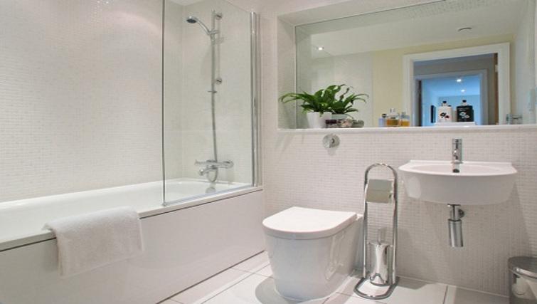 Stylish bathroom at Lantern Court Apartments - Citybase Apartments