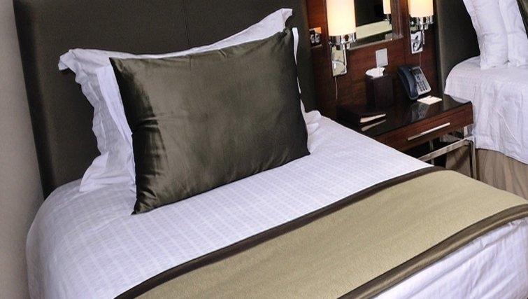 Bedroom at Grand Hyatt Doha Apartments - Citybase Apartments