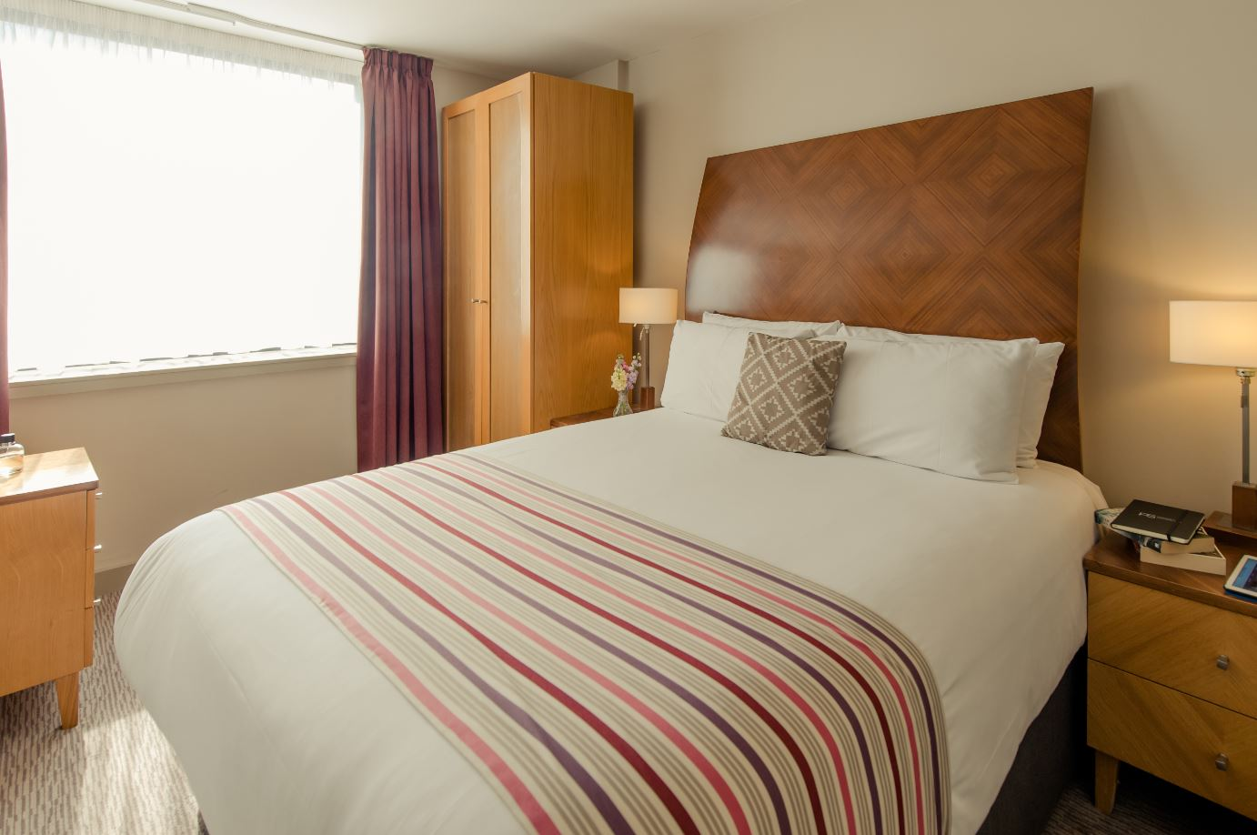 Double bed at Premier Suites Manchester - Citybase Apartments