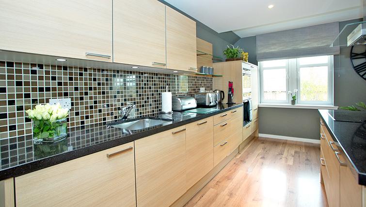 Kitchen at Polmuir Gardens Apartments - Citybase Apartments