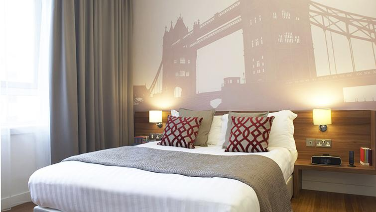 Bedroom at the Citadines Holborn & Covent Garden London - Citybase Apartments
