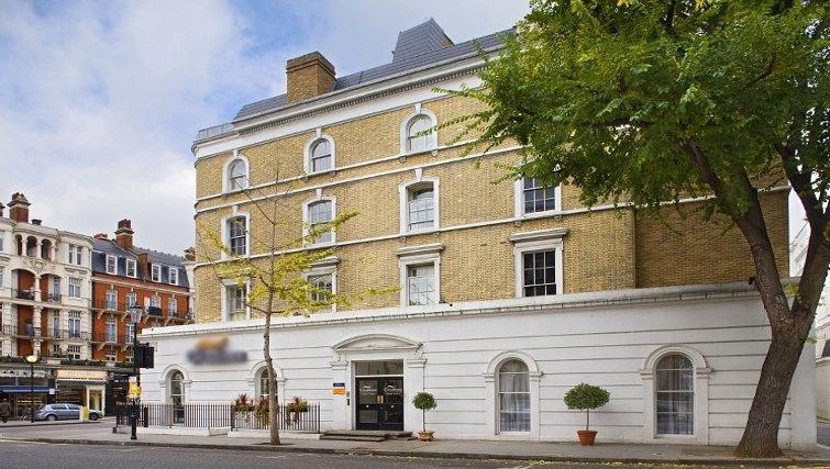 Attractive exterior at Citadines South Kensington London - Citybase Apartments