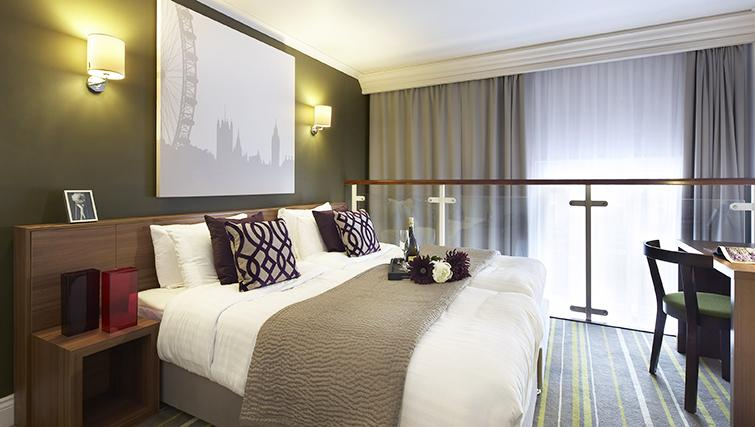 Large bedroom at Citadines South Kensington Apartments - Citybase Apartments