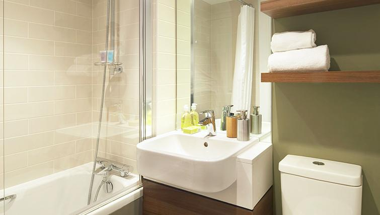 Pristine bathroom at Citadines South Kensington Apartments - Citybase Apartments