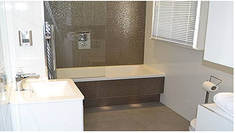 Contemporary bathroom in Farm Street Apartments - Citybase Apartments