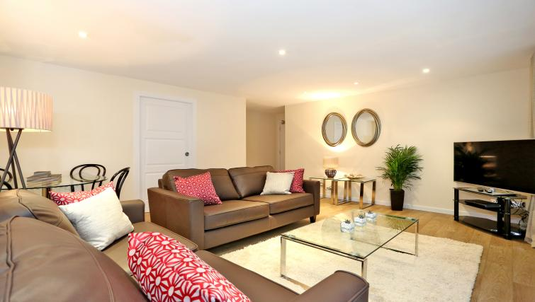 Living area at Dempsey Court Apartments - Citybase Apartments