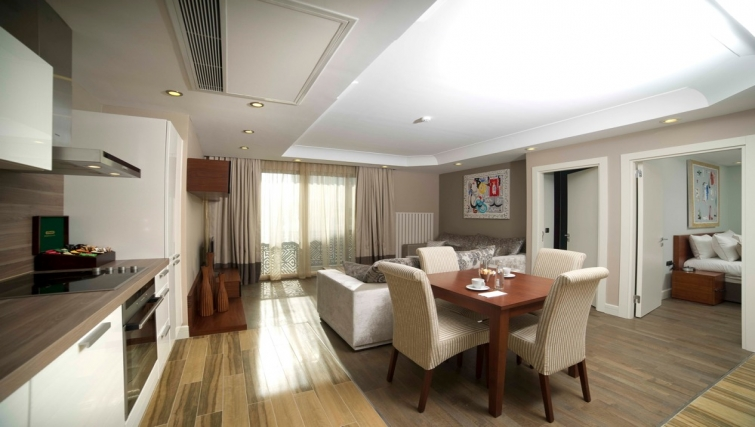 Dining area in Taba Luxury Suites Istanbul - Citybase Apartments