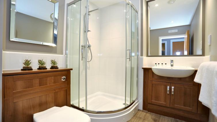 Shower at Priory Park Apartments - Citybase Apartments