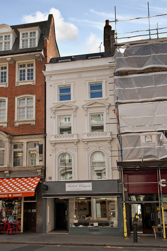 Exterior at Wigmore Street Apartments - Citybase Apartments