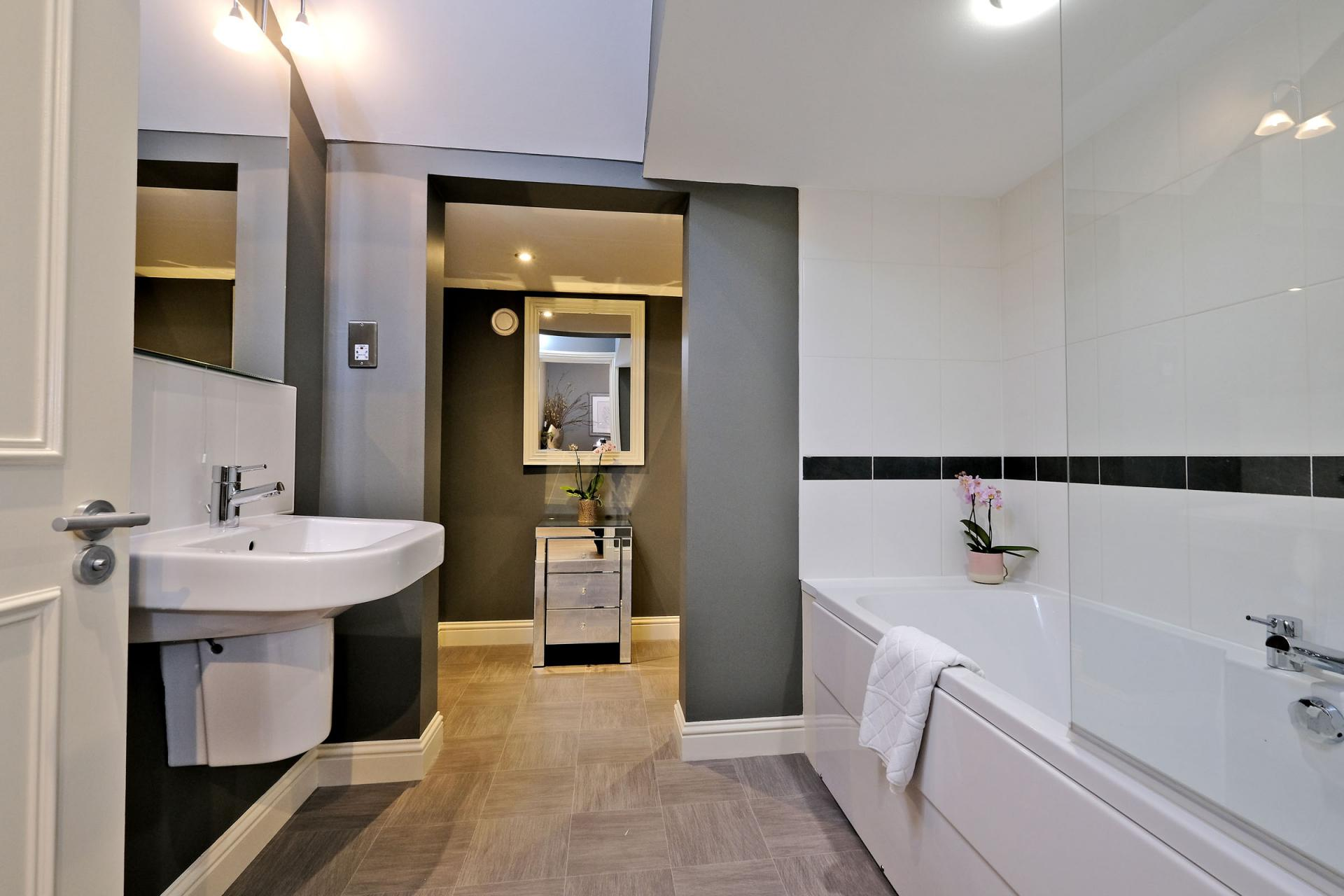 Bathroom at Queens Road Apartments - Citybase Apartments