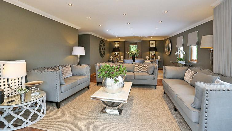 Living room at Wellwood Mansions Apartments - Citybase Apartments