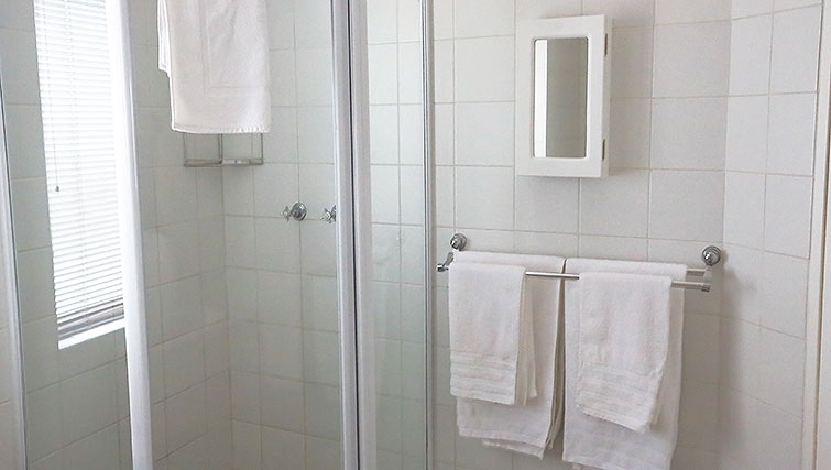 Bathroom at Times Square Executive Suites - Citybase Apartments