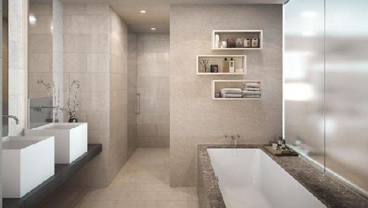 Bathroom in Oakwood Commercial Street - Citybase Apartments
