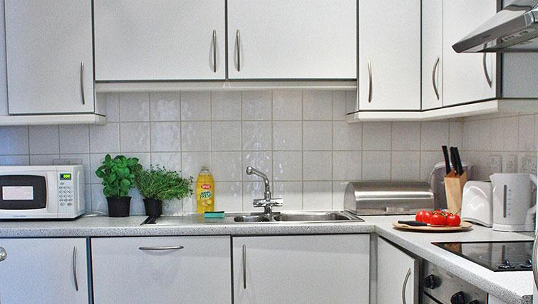 Kitchen facilities at Abbotts Chambers Apartments - Citybase Apartments