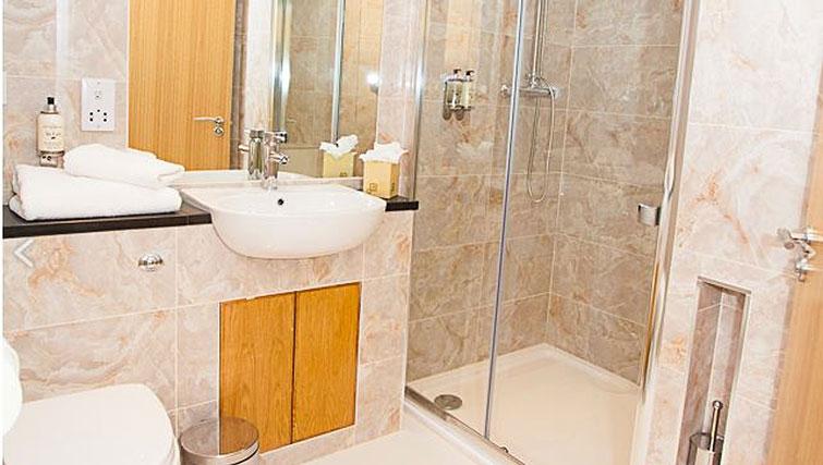 Bathroom in Royal Athenaeum Suites - Citybase Apartments